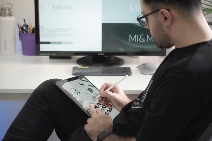 Povabilo k sodelovanju na natečaju za zunanjo grafično podobo novega bibiliobusa